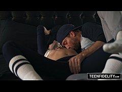 หนังโป๊เย็ดโหดคู่รักนักเบสบอล เงี่ยนจัดซัดกันแบบโหดเย็ดแรงแทงมันกระแทกหนักเน้นๆทุกดอกแตกในน้ำล้นๆ