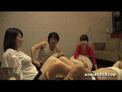 หนังโป๊ญี่ปุ่น 2คู่สุดมัน เย็ดหีเมียเพื่อนสุดเสียวงานดีหีฟิต กับพนักงานหนุ่มสุดเงี่ยนแอบเย็ดกันในห้องพักขย่มหีขย่มควยกันเมามันเลย