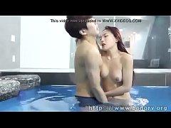 คลิปโป้ไทย PORN วัยรุ่นบ้านๆ น่ารักชวนเเฟนมาเย็ด ลงอ่างเอากันในน้ำผู้หญิงน่ารักเล่นควยผัวก่อนเย็ดน้ำกระจาย