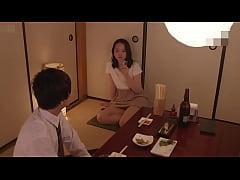 หนังxxx Japanese เพื่อนบ้านขี้เย็ดกับแม่บ้านขี้เงี่ยนผัวไม่อยู่นัดกันมาขย่มควยอย่างร่าน